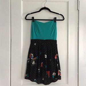 Retro inspired strapless summer dress